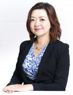 代表 池田千恵 左斜め前PH